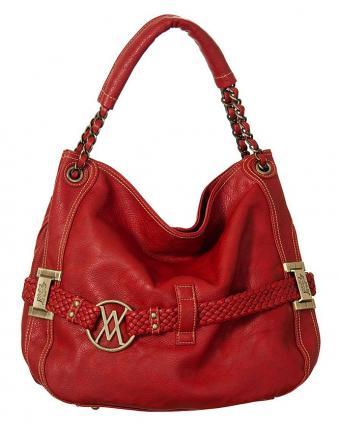https://cf.ltkcdn.net/handbags/images/slide/183471-668x850-Vitalio-Vera-Blanchett-Red.jpg