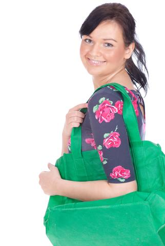 Woman with shopping tote; © Photomak | Dreamstime.com