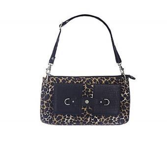 https://cf.ltkcdn.net/handbags/images/slide/191231-537x500-microfiber_organizer_bag.jpg