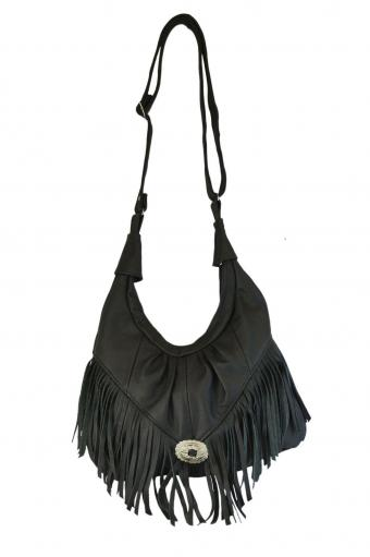https://cf.ltkcdn.net/handbags/images/slide/202649-566x850-Texcyngoods-Premium-Leather-Fringed-Hobo-Handbag.jpg