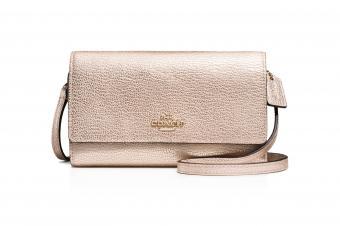 https://cf.ltkcdn.net/handbags/images/slide/210347-850x566-Coach-Smooth-Metallic-Leather-Phone-Crossbody.jpg