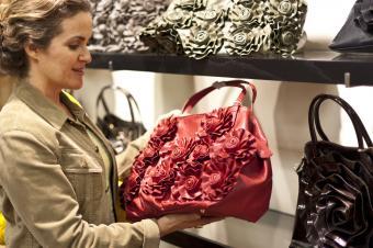 https://cf.ltkcdn.net/handbags/images/slide/250460-850x566-30_3D_Florals.jpg