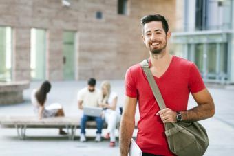 Man wearing casual hobo purse