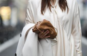 Lou Beyer wearing Bottega Veneta mini pouch
