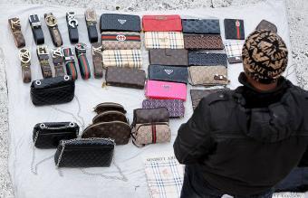 vendor display fake designer bags