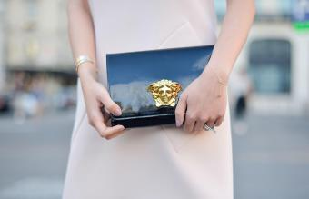 How to Tell if a Versace Purse Is Real: 6 Key Signs