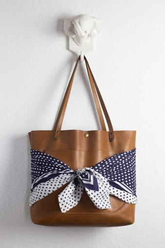 Purse With Bow Wrap the Flap