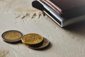 17 Best Hard Case Wallets for Sleek Yet Functional Style