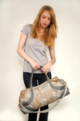 Amykathryn Star Gazer Lifestyle Bag in Slate