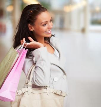 https://cf.ltkcdn.net/handbags/images/slide/38780-470x501-Wearhandbag8.jpg