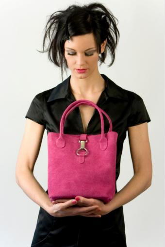 https://cf.ltkcdn.net/handbags/images/slide/39057-513x768-Cute_purse6.jpg