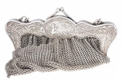 Metal mesh clutch purse