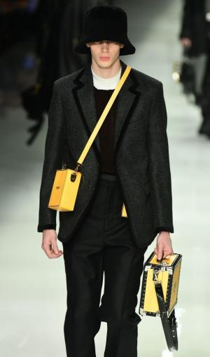 Model wearing a crossbody petite box