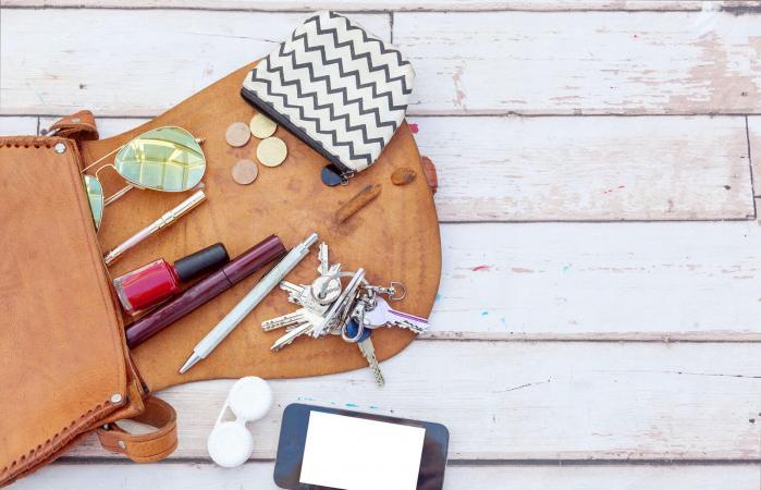 Woman purse essentials