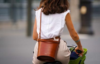 brown leather Sezane bag