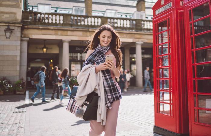 British woman handbag