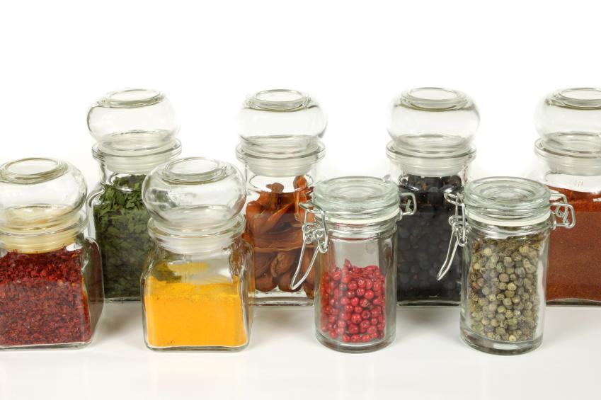 https://cf.ltkcdn.net/herbs/images/slide/123826-849x565-spicejars.jpg