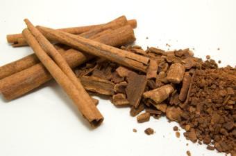 https://cf.ltkcdn.net/herbs/images/slide/123718-425x282-cinnamon.jpg