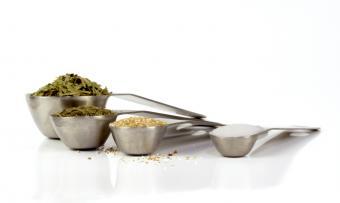 https://cf.ltkcdn.net/herbs/images/slide/123825-850x507-herbalmed3.jpg