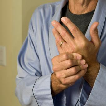 https://cf.ltkcdn.net/herbs/images/slide/149907-693x693-arthritis.jpg