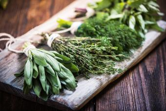 15 Medicinal Herbs and Their Uses