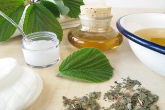 Bath essence, cream and tincture with hamamelis