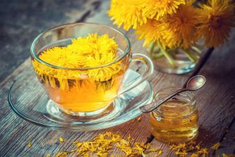 herbal detox dandelion tea and honey