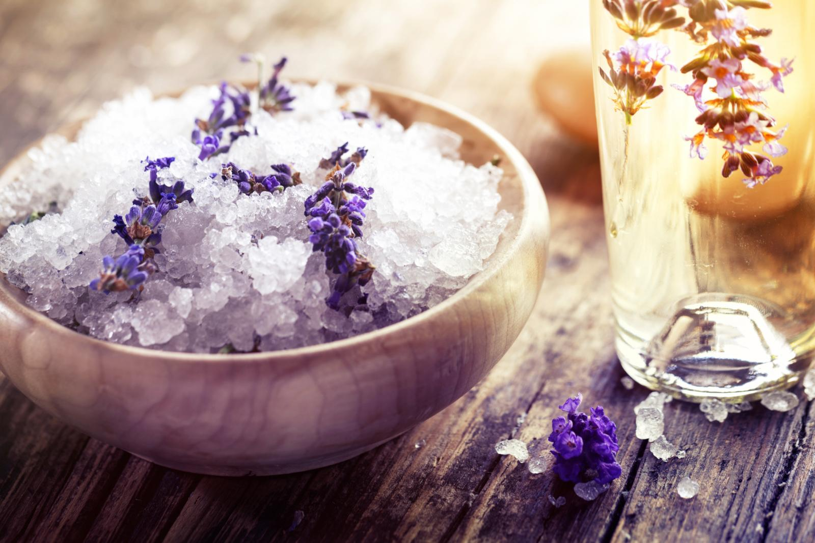 Lavender bath salt and esencial oil