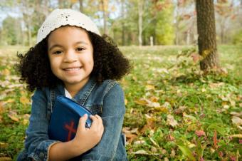https://cf.ltkcdn.net/home-school/images/slide/74957-849x565-Girl-With-Bible.jpg