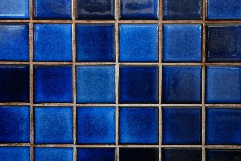 https://cf.ltkcdn.net/homeimprovement/images/slide/104487-800x536-blue_backsplash.jpg