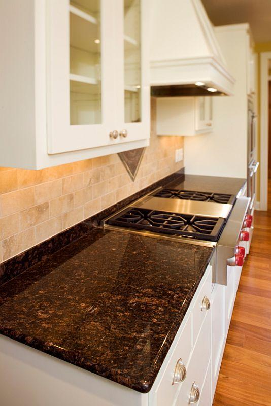 https://cf.ltkcdn.net/homeimprovement/images/slide/104635-534x800-granite10.jpg