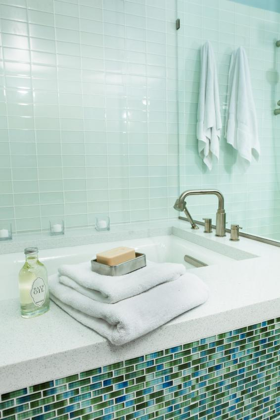 Beau Tile In Bathtub With Glass Tiles