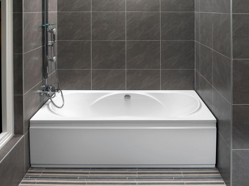 Exceptionnel Large Format Wall Tiles Source · Monochrome Tub And Shower