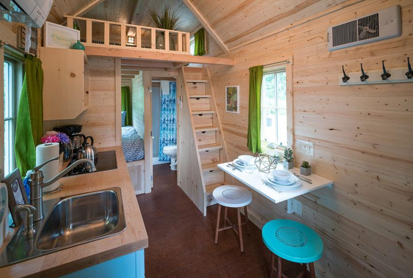 https://cf.ltkcdn.net/homeimprovement/images/slide/206691-850x571-tumbleweed-cypress-mt-hood-tiny-house-village.jpg