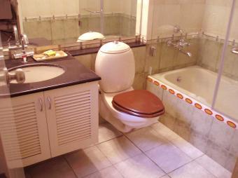 Bargain Bathroom Remodels for Best Payoffs