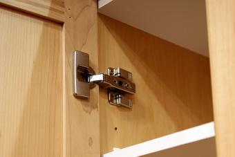 concealed cabinet hinge
