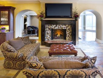 Casual Sitting Room With Fireplace