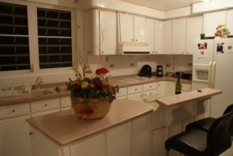 What Paint to Use for Kitchen Cabinets