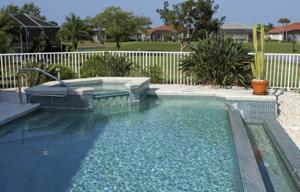 fence around swimming pool