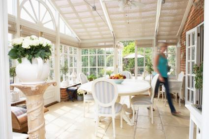 Window walls for sunrooms lovetoknow for Sunroom interior walls