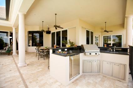 Luxury outdoor kitchen