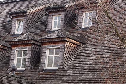 traditional wood shingle roof