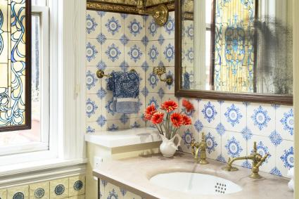 Early 20th century bathroom