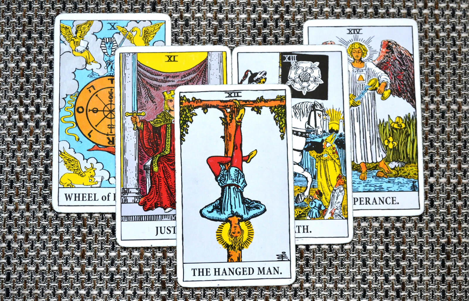 The Hanged Man Tarot Card Meaning | LoveToKnow