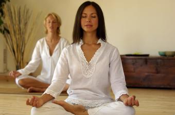 https://cf.ltkcdn.net/horoscopes/images/slide/136725-850x563r1-meditate.jpg