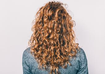 https://cf.ltkcdn.net/horoscopes/images/slide/256710-850x595-4_woman_wavy_hair.jpg