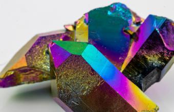 Titanium Aura Quartz Meaning and Best Uses