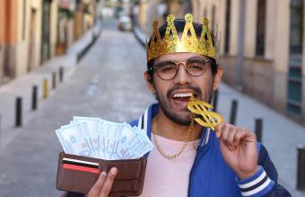 Arrogant man showing his money