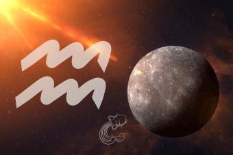 Mercury in Aquarius: Open-Minded & Independent