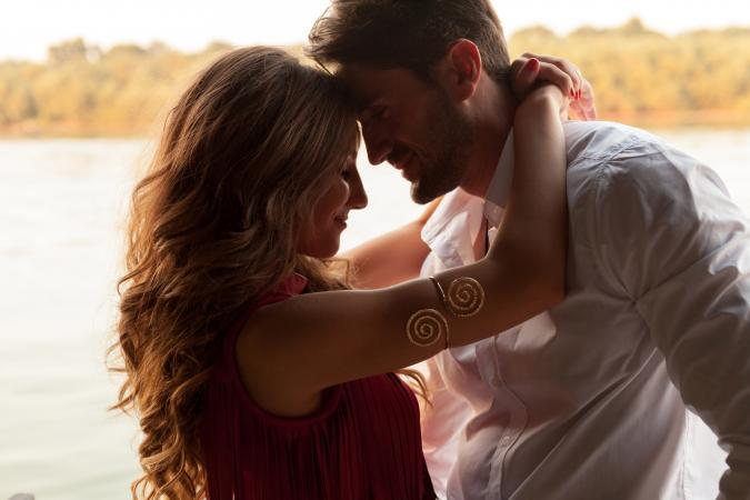 Leo and Sagittarius Love | LoveToKnow